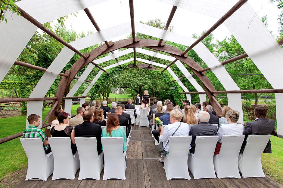 Standesamt mittweida, heiraten im Schmiedelandhaus Greifendorf, hochzeitsfotograf mittweida, hochzeitsbilder ergebirge