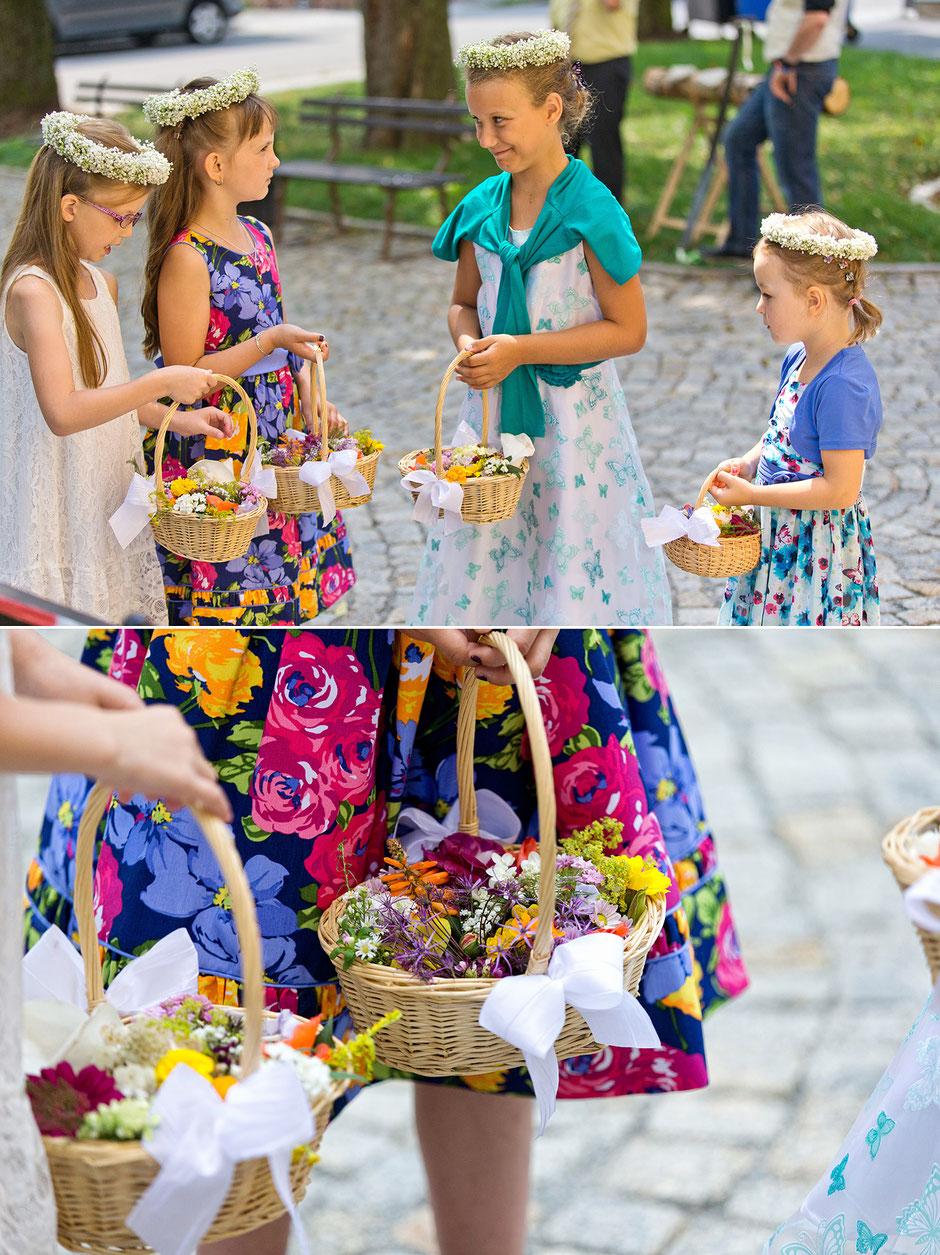 Kirche oberwiesenthal, Hochzeit, kirchliche Trauung, blumenlinder, Blumenmädchen, blumenstreukinder, oberwiesenthal