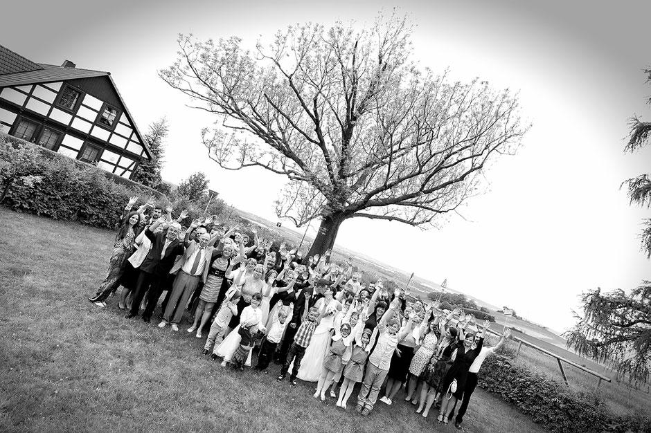 Gruppenbild Hochzeit, hochzeitsgesellschaft, heiraten in jahnsdorf, morgensonne jahnsdorf