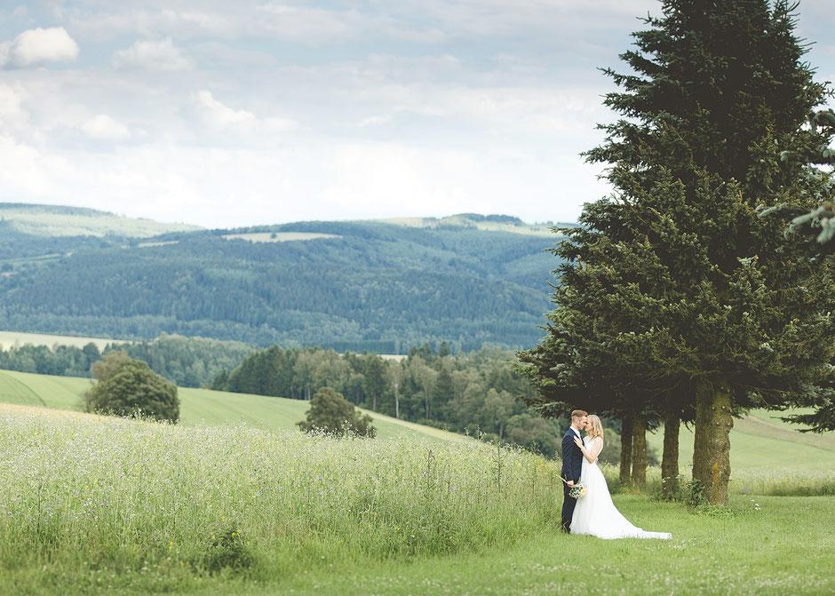 Hochzeit kreuztanne, hochzeitsfotograf Erzgebirge, hochzeitsfotos erzgebirge
