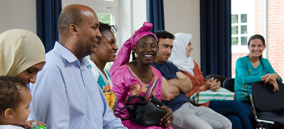 Gruppe von Flüchtlingen im Seminar einer Heimvolkshochschule. Foto: Johannes Hörnemann