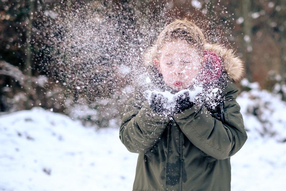 Weihnachtsgeschichte, Kinder, Junge, Schnee