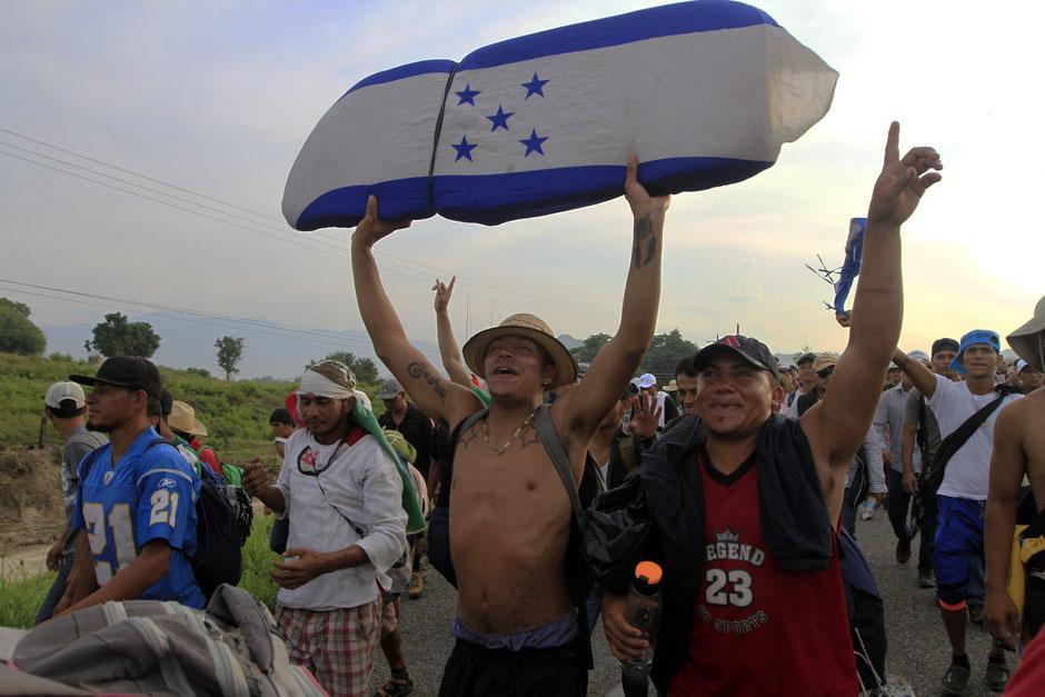 Suchiate, Mexico/Guatemala border, October 2018. Photos/Javier Lira Otero/Notimex