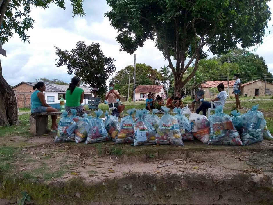 Distribution of food baskets to indigenous and tradtional populations in the Tapajós-Arapiuns Extractive Reserve, Santarém – Pará (Brazil). Source: TAPAJOARA, June 2020