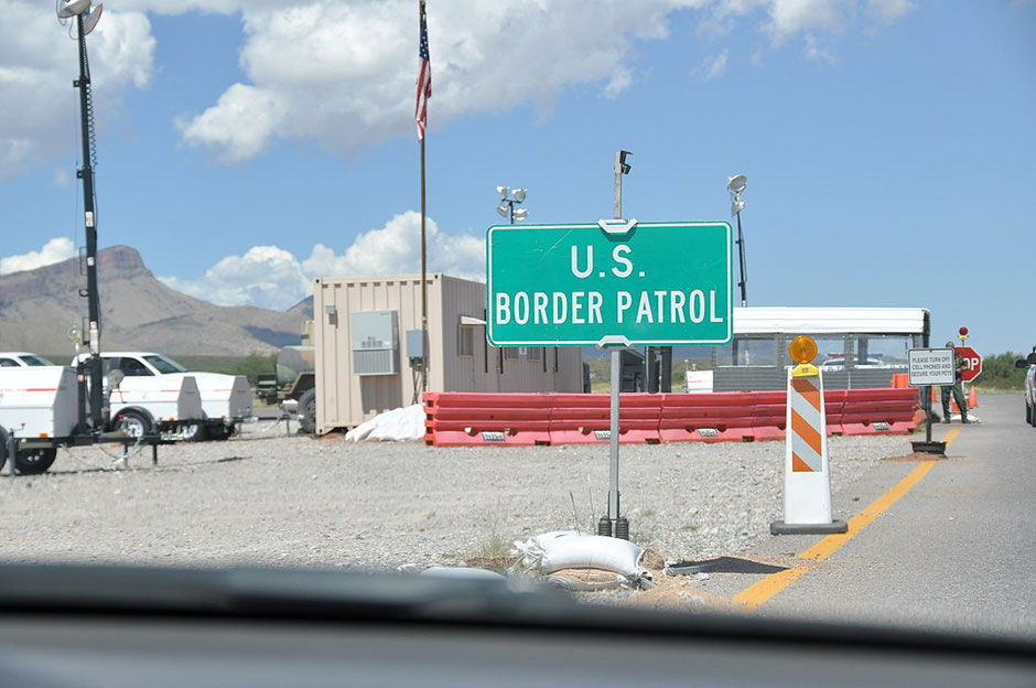 US border patrol checkpoint in Arizona (source Wikicommons).