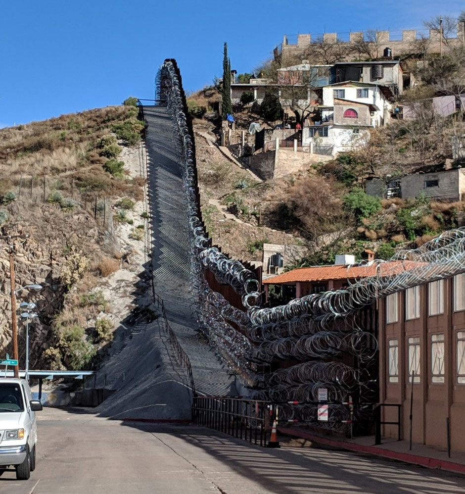 A border that has been reinforced for the past few years: the wall on the US side in Nogales (Photo FMLT)