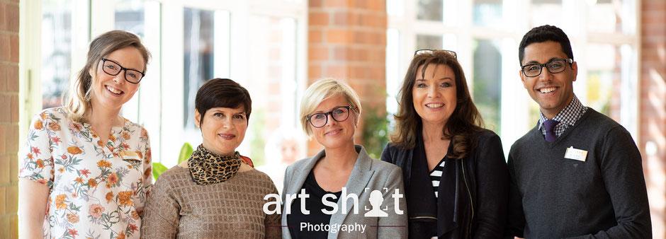 Businessfotografie NRW günstige Firmenportraits bester Produktfotograf NRW Mitarbeiterbilder Firmen Portraits