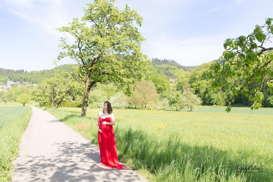 Schwangerschaftsmode Abendkleid rot lang