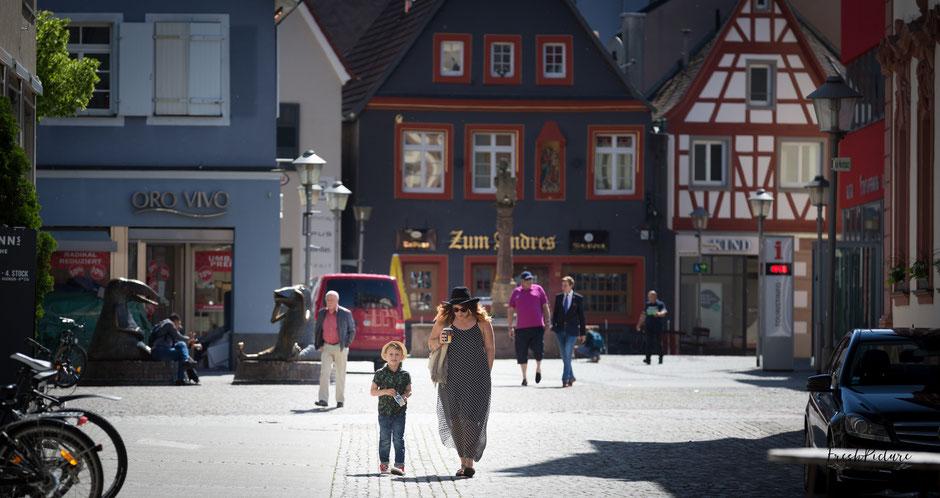 Mama und Sohn Fotoshooting in Offenburg Stadtmitte