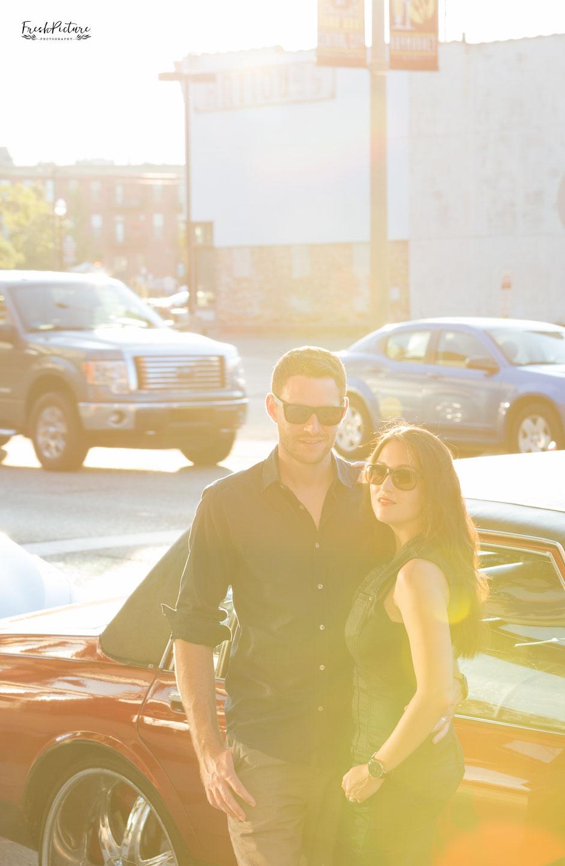 Coole Verlobungsfotos in der Stadt