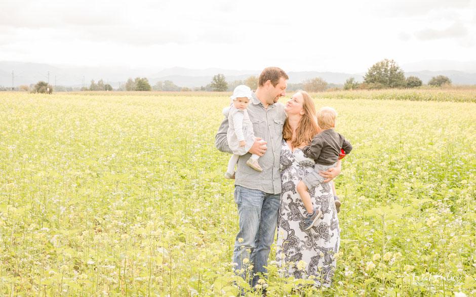 Familienfotos im Herbst bei Offenburg