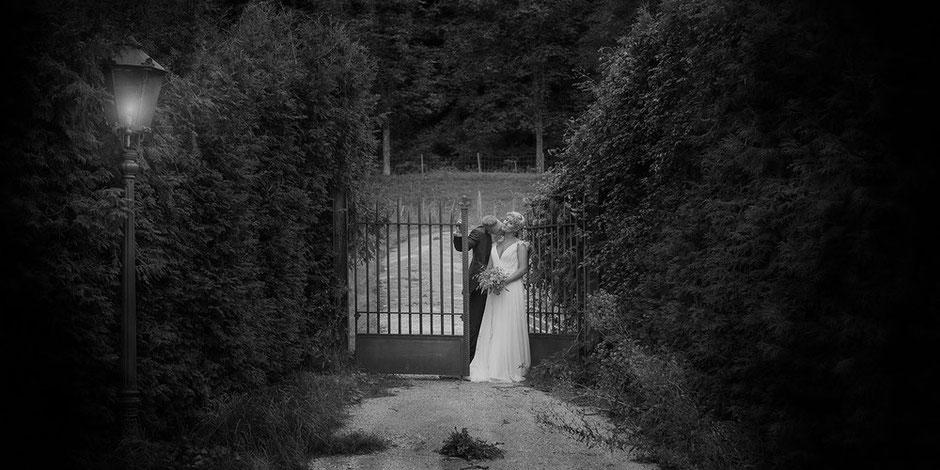 Moderne Hochzeitsfotografie romantisch emotional lowkey Fotograf Wolf Andreas Wagner Konstanz, Singen, Zürich, St. Gallen, Frauenfeld, Weinfelden, Appenzell, Luzern, Bern, Basel, Solothurn, Winterthur, Schaffhausen
