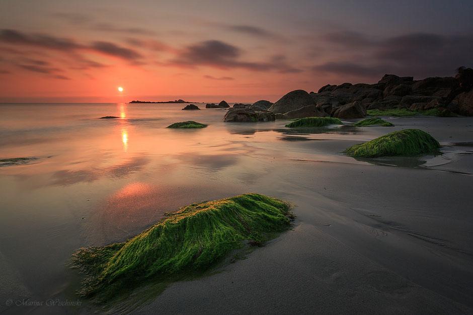 Sonnenuntergang an der bretonischen Küste