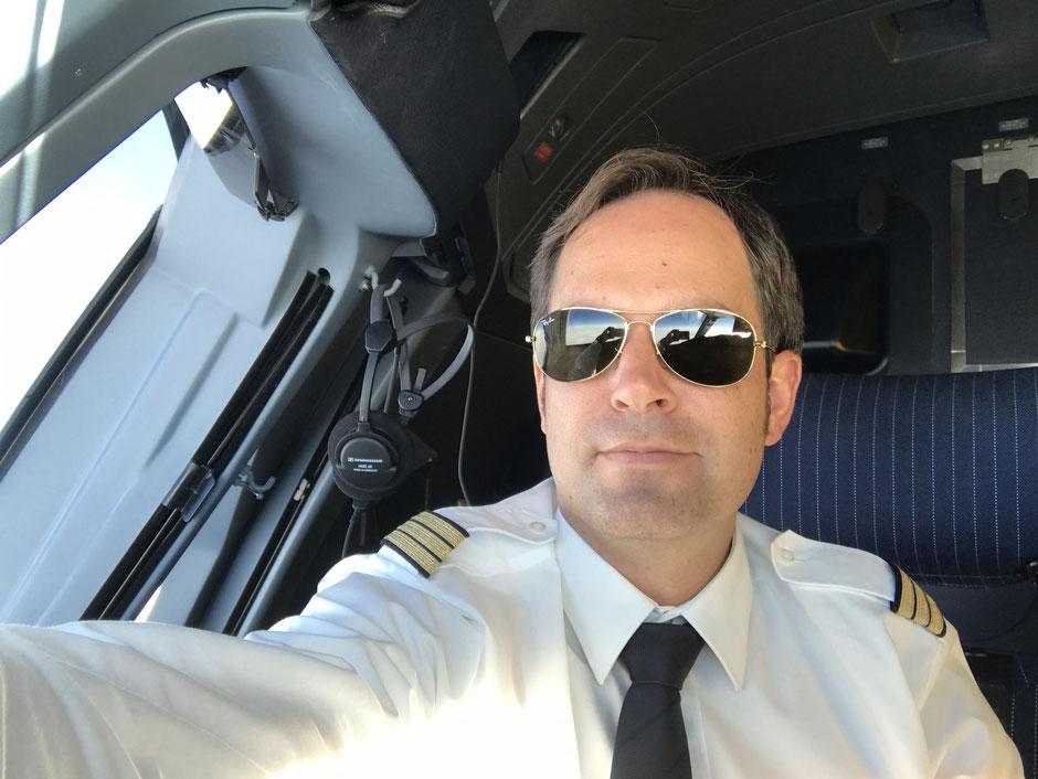 Daniel Simon, Pilot