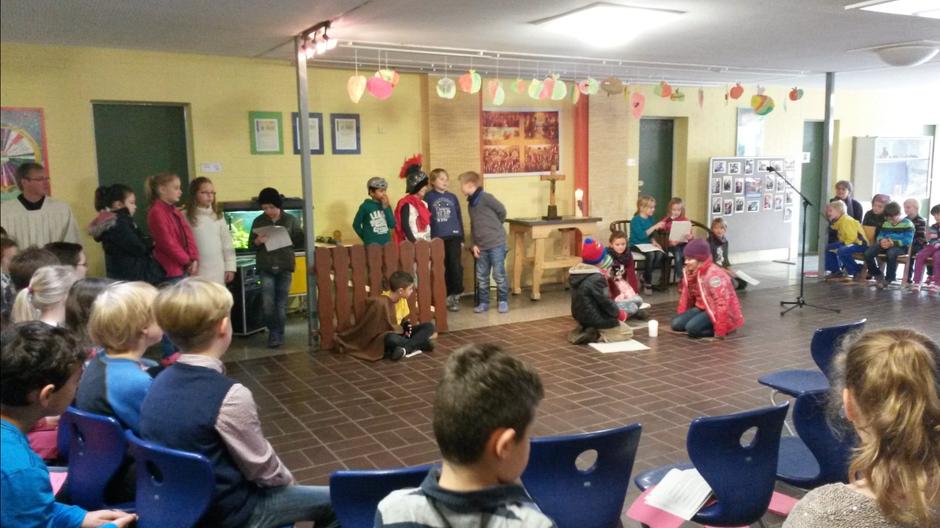 Martinsgottesdienst Niels-Stensen Grundschule Hameln
