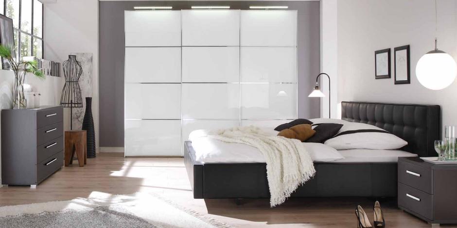 Schlafzimmer mit einem Wasserbett Dolce Vita