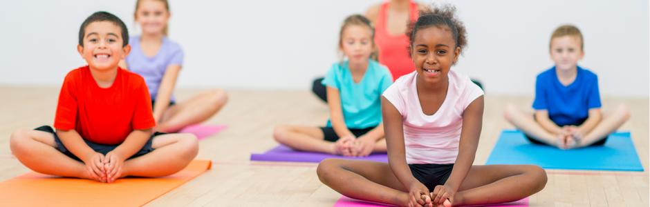 Sport für Kinder, Bewegungsangebote Kita, Bewegungsspiele Kindergarten, Kita Alltag gestalten, Kinderyoga im Kindergarten