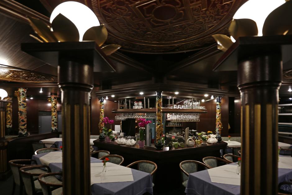 Der Siam - Pavillon in Berlin - Marienfelde. Blick auf die Bar.