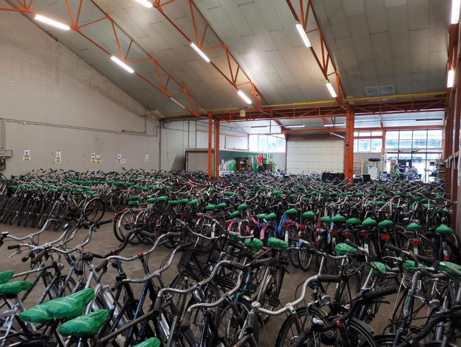Stock de vélos hollandais d'occasion