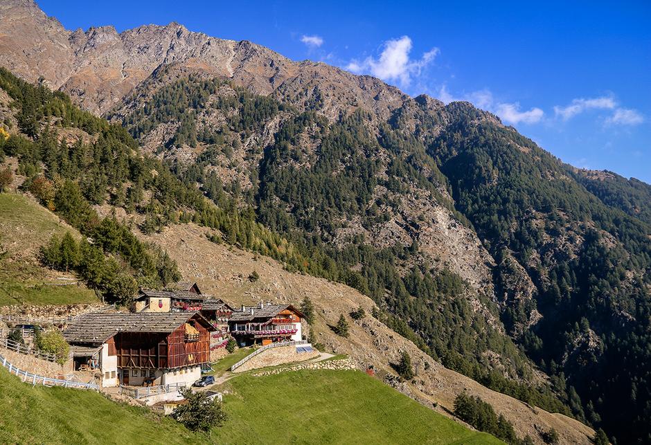 Pirchhof am Meraner Höhenweg 1.000 Stufenschlucht, Bergurlaub mit Hund, Wandern mit Hund, Urlaub mit Hund , Wandern in Südtirol