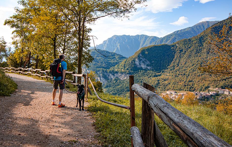 Dorf Canale Tennosee Gardaseeberge Urlaub am Gardasee, Bergurlaub mit Hund, Wandern mit Hund, Urlaub mit Hund , Wandern am Gardasee