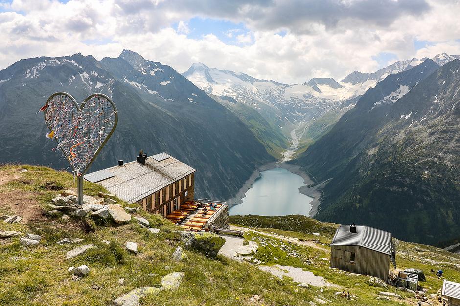 Bergurlaub mit Hund Urlaub mit Hund Wandern mit Hund  Olperer Hütte Schlegeisspeicher Zillertal Tirol