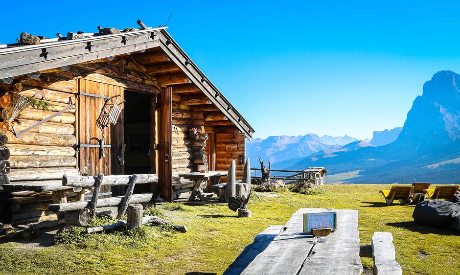 Seiser Alm Seis Compatsch Bergurlaub mit Hund Wandern in Südtirol Edelweißhütte