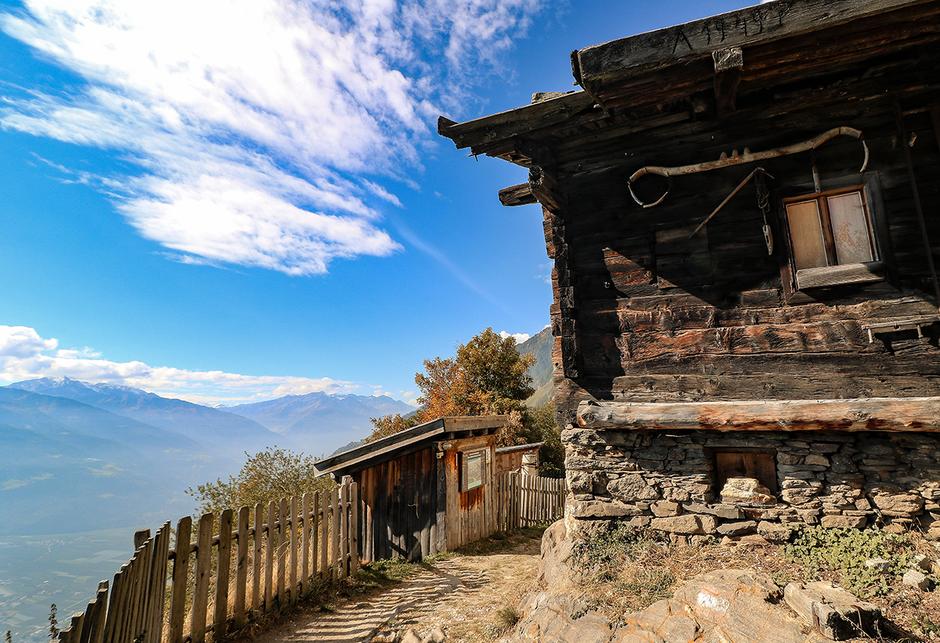Meraner Höhenweg Südtirol 1.000 Stufenschlucht, Bergurlaub mit Hund, Wandern mit Hund, Urlaub mit Hund , Wandern in Südtirol