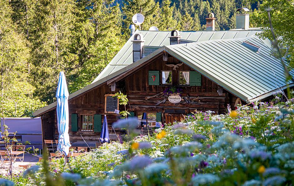 Kenzenhütte Kesselbergrunde, Wandern in Bayern, Wandern mit Hund, Urlaub mit Hund, Bergurlaub mit Hund