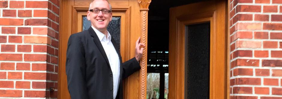 Reinhard Vossmann Unternehmensberater in Twistring - Herzlich willkommen vor der geöffneten Haustür
