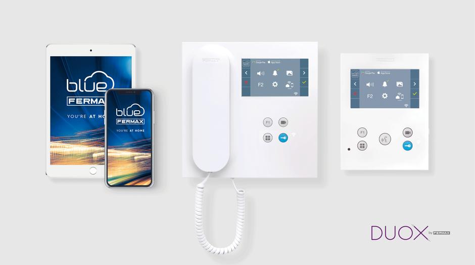 Diferentes modelos de videoportero VEO DUOX PLUS de fermax con la aplicación móvil de ejemplo para smartphone y tablet