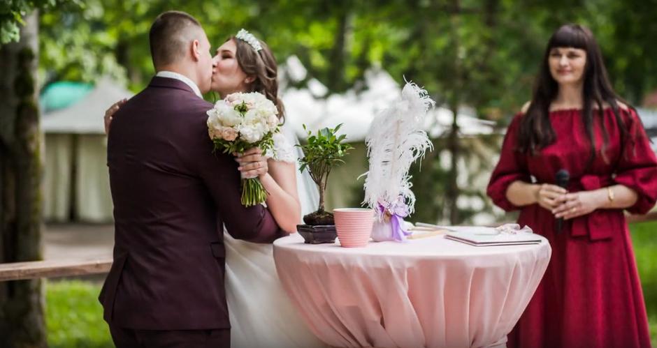 Выездная регистрация брака в Дубраве