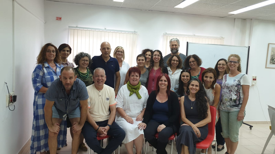 Karen and Nick Woodall training psychologists, psychotherapists and social workers in Israel
