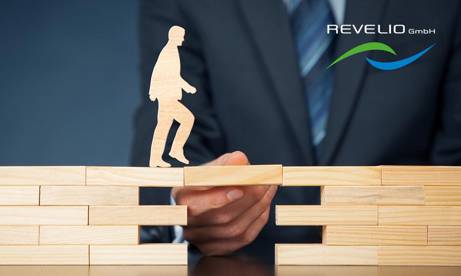 Das Team von REVELIO GmbH unterstützt Sie bei der Planung und Inbetriebnahme Ihrer Photovoltaikanlage.