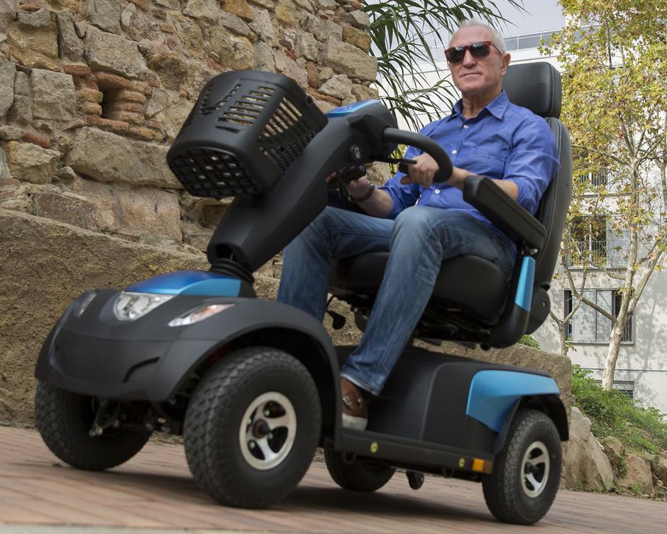 Testfahren von Scooter, Elektromobil und eMobilität bei reha team Saggau