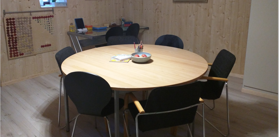 Dr Schneider's office with conference table