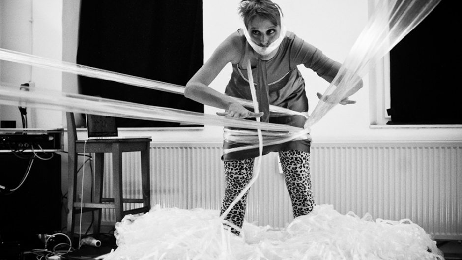 TAG ME IF YOU CAN. Ein Loft-Abend mit Composer-Performerin (2016 / Marburg)