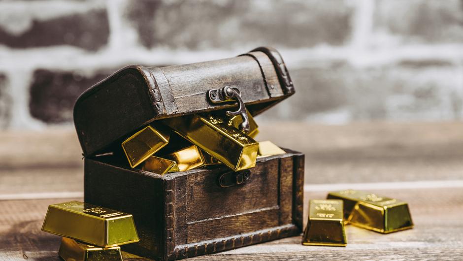 宝箱と金塊