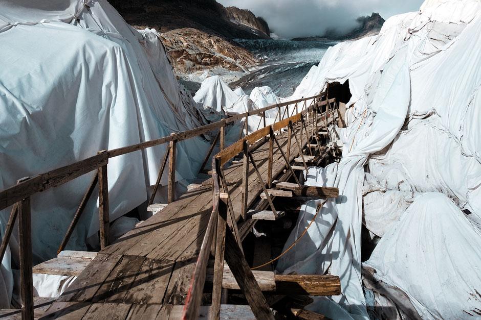 Photo: Patrick Robert Doyle auf Unsplash (Rhonegletscher)