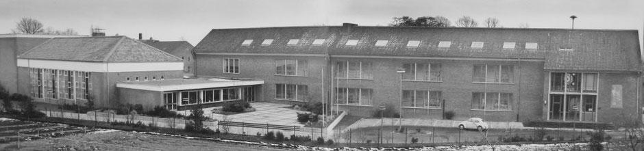Für das Progymnasium entstand 1952 dieser Schulneubau mit Aula