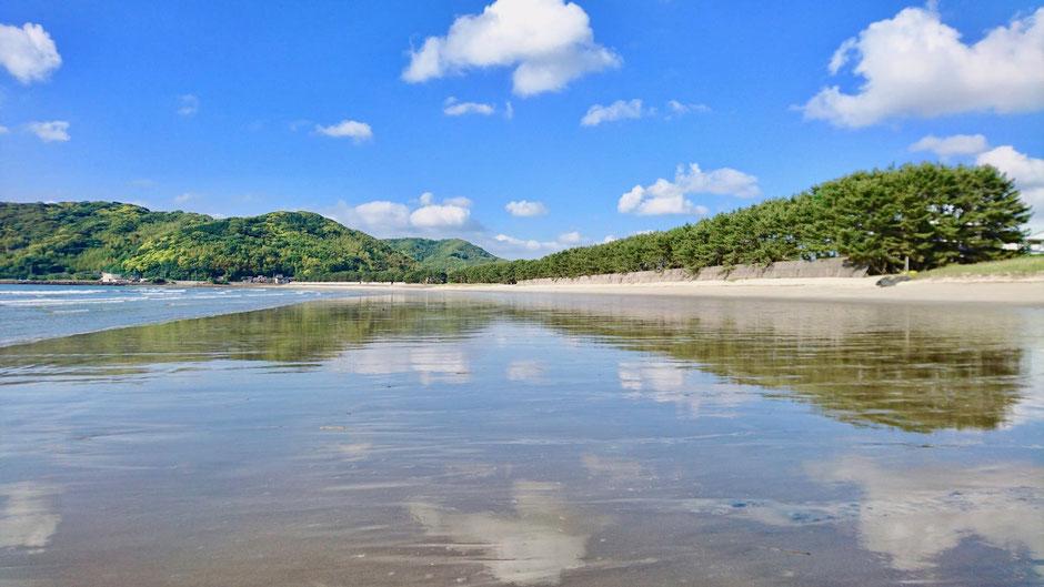 九州 福岡県糸島市、深江海水浴場はウユニ塩湖 Fukae Beach in Itoshima, Fukuoka