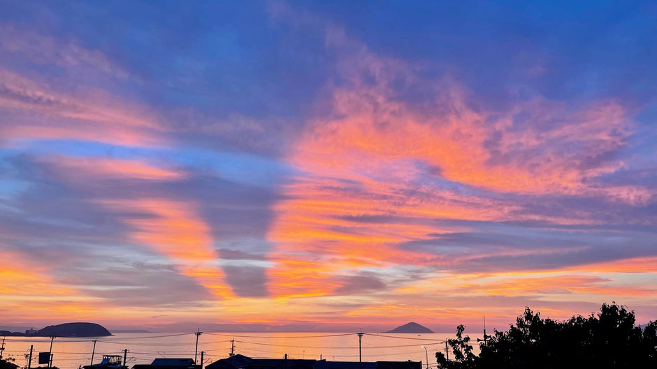 旭日旗のような夕日