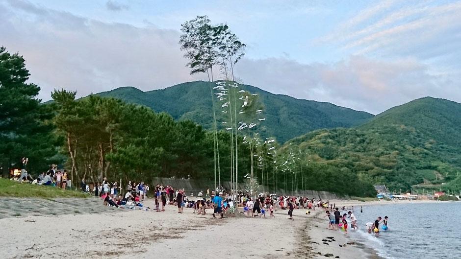 深江海水浴場で行われる深江の川祭り