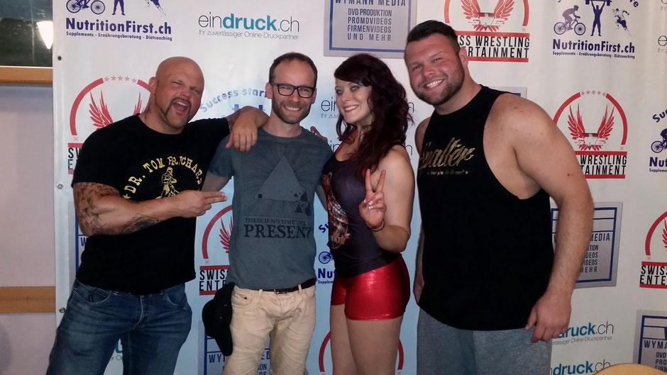 Swiss Wrestling Entertainent, Gruppen Bild: Bones, Sara, Pascal