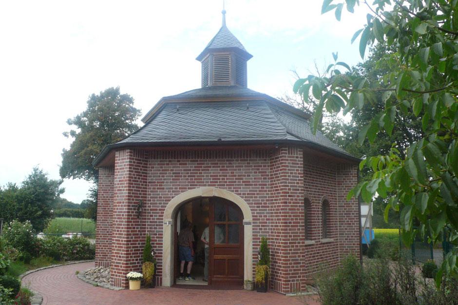 Kapelle auf dem 'Hof für Herz und Seele' - Foto: HPD