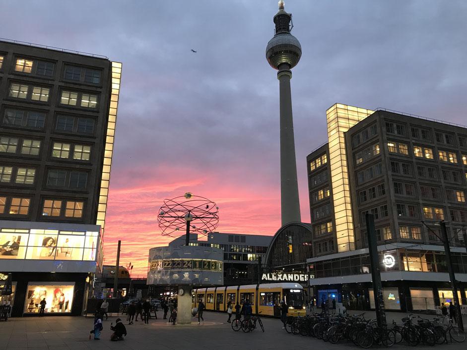 Weltzeituhr in Berlin auf dem Alexanderplatz