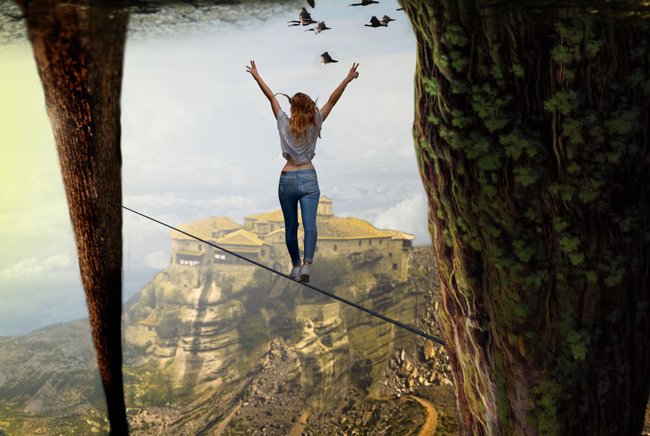 Mutig über Abgrund balancieren