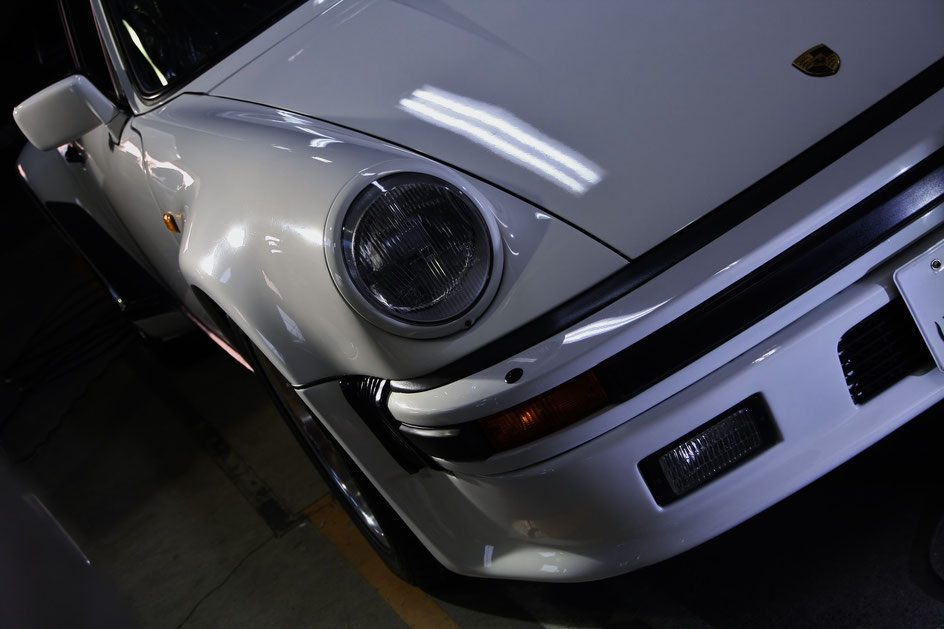 930ターボの水垢除去  ガラスコーティング グランプリホワイトの艶