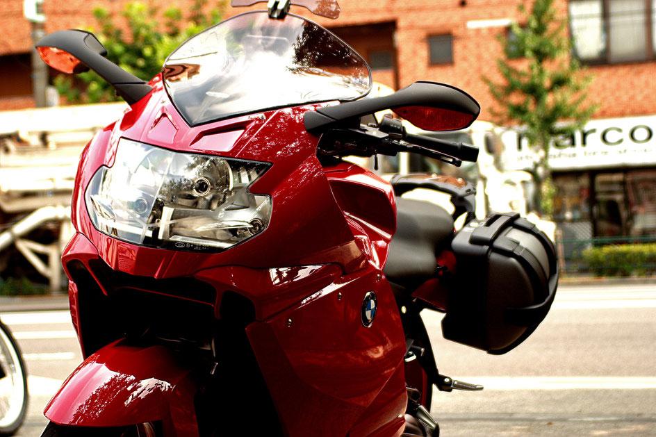 埼玉三芳のバイク磨き専門店 K1300Sのガラスコーティング カウルの傷消し 擦り傷 川越 練馬 浦和