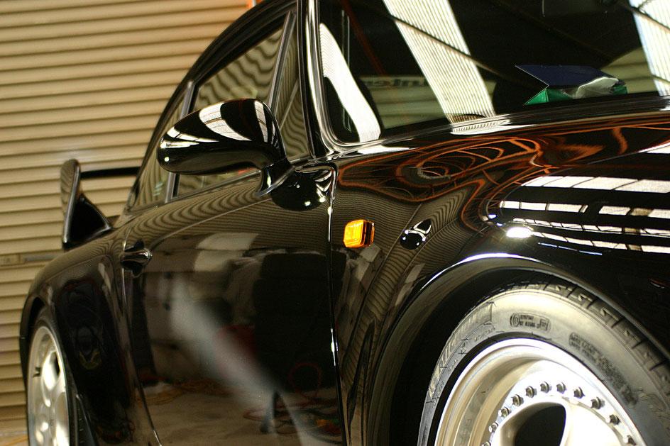 ポルシェ993RS黒の磨き・ガラスコーティング完成 塗装のくすみ 白ボケ改善